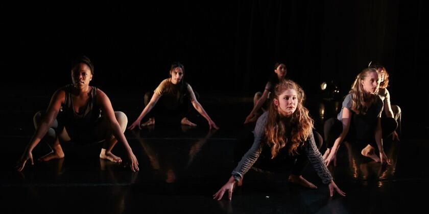 "Muliebris Dance Theatre in ""spaces between: fall and float"""