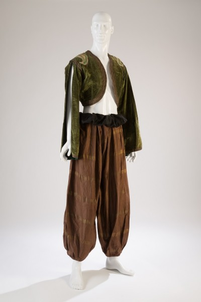 Leon Bakst, young man's costume from Schéhérazade, 1910, France. The Museum at FIT, 2014.1.1, photograph ©The Museum at FIT.