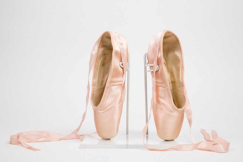 "Capezio, ""Duro Toe"" pointe shoes, 1941. Collection of The Museum at FIT, gift of David P. Dann. Photograph © The Museum at FIT."