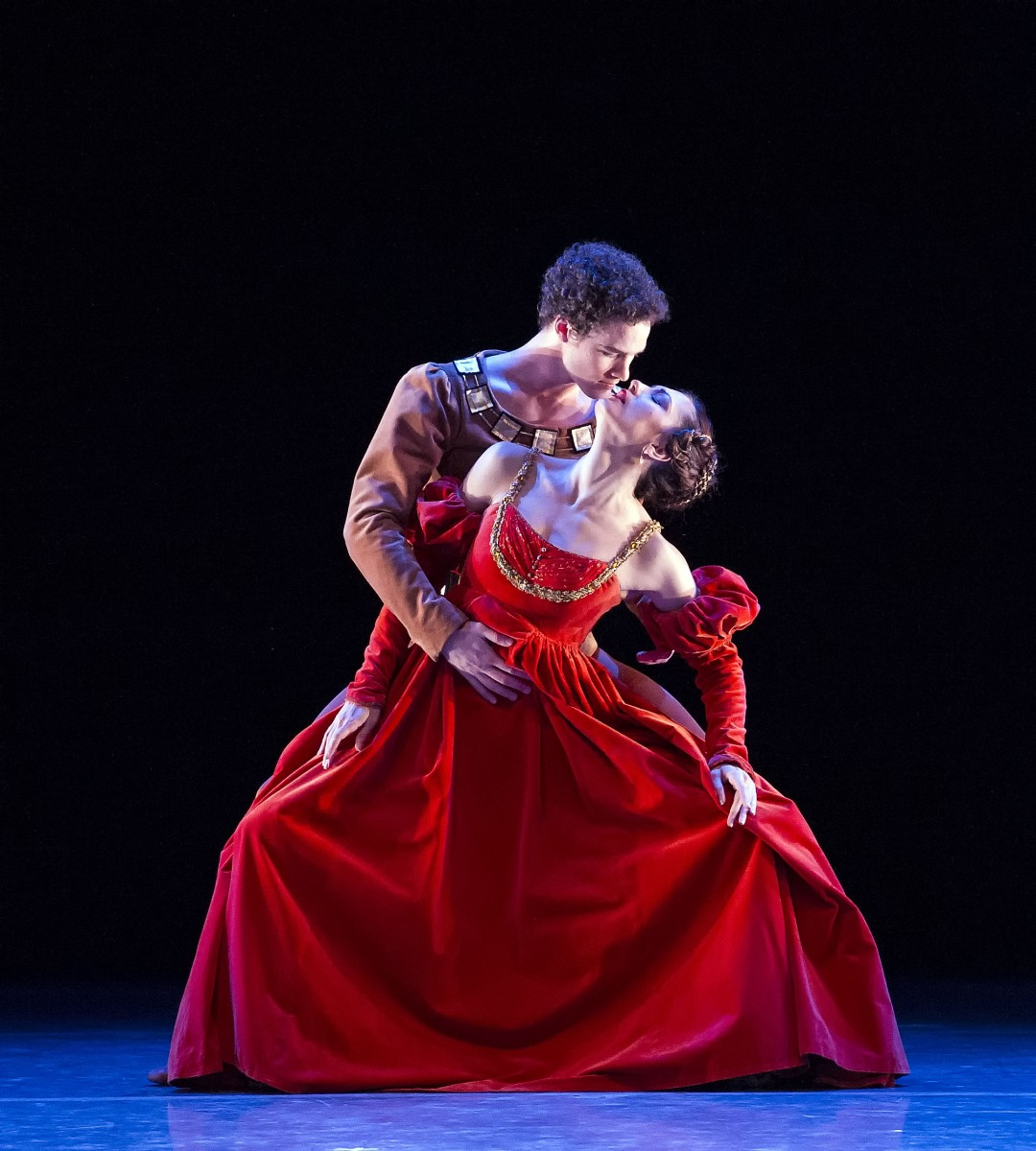 motivation of othello killing desdemona Othello's motive for murder arthur mcgee of chen did othello kill  desdemona was it the night after that on which the marriage was consummated ,.