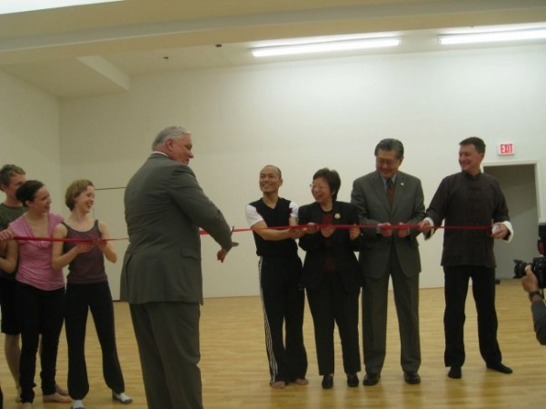 Pictured (L to R) Dancers- McPheeters, Jennifer Rose, and Harris with PA State Representative Bill Keller, Lin, Dr. Mary Tsu, Director of Taipei Cultural Council in NY, and KYL/Dancers Executive Director, Kenneth Metzner
