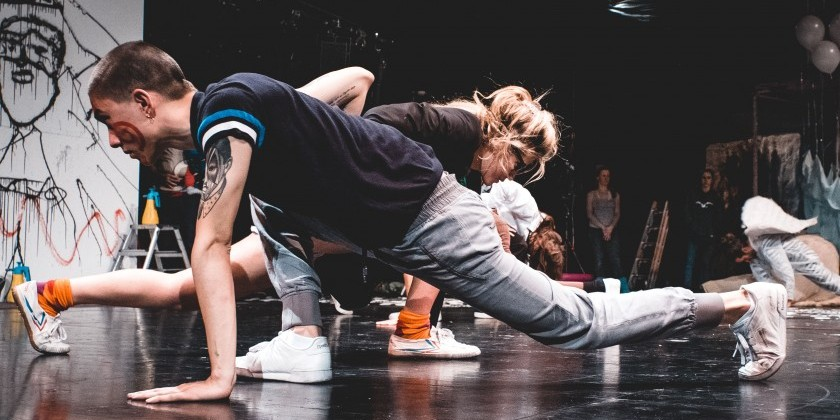 BREMEN, GERMANY: Unusual Symptoms / Theater Bremen seek 1 male dancer for the 2019/2020 season