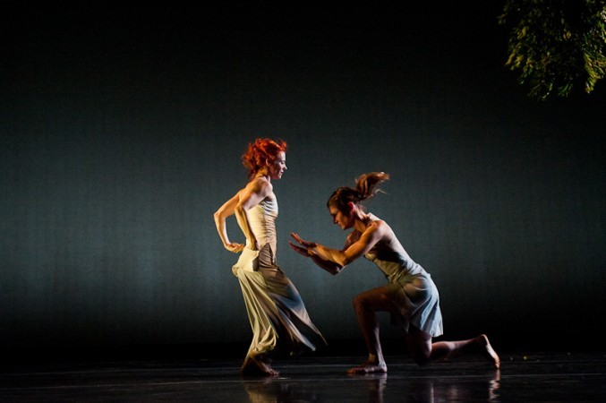 "Kate Weare Company ""Garden"" Photo by Christopher Duggan"