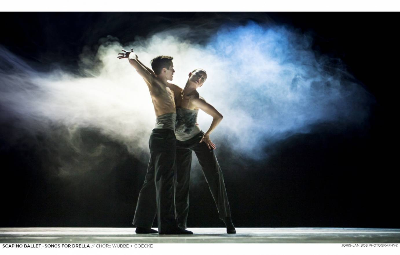 Two Scapino Ballet Rotterdam Dancers performing in midst of a cloud of fog