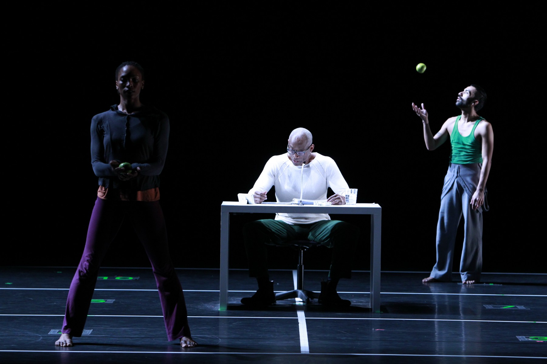 Bill T. Jones/Arnie Zane Company in Story/Time. Photo: Paul B. Goode
