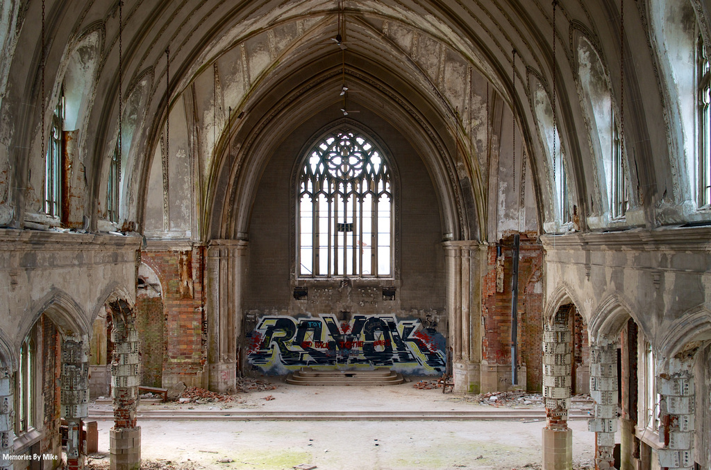 St. Agnes Church in Detroit in ruins