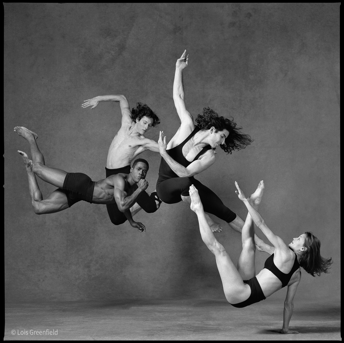 dancers appearing to float in mid air captured by genius photographer Lois Greenfield