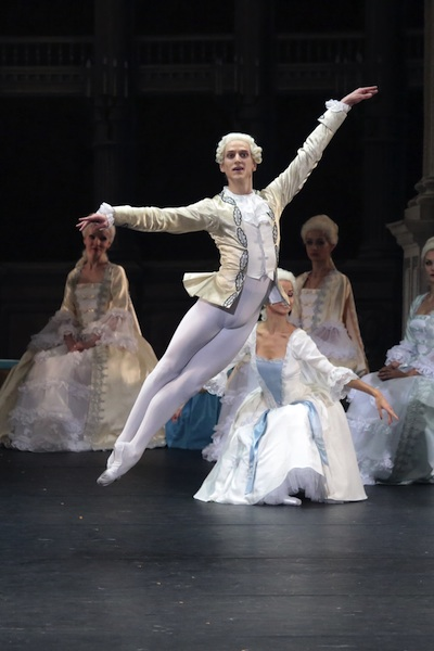 David Hallberg in the title role