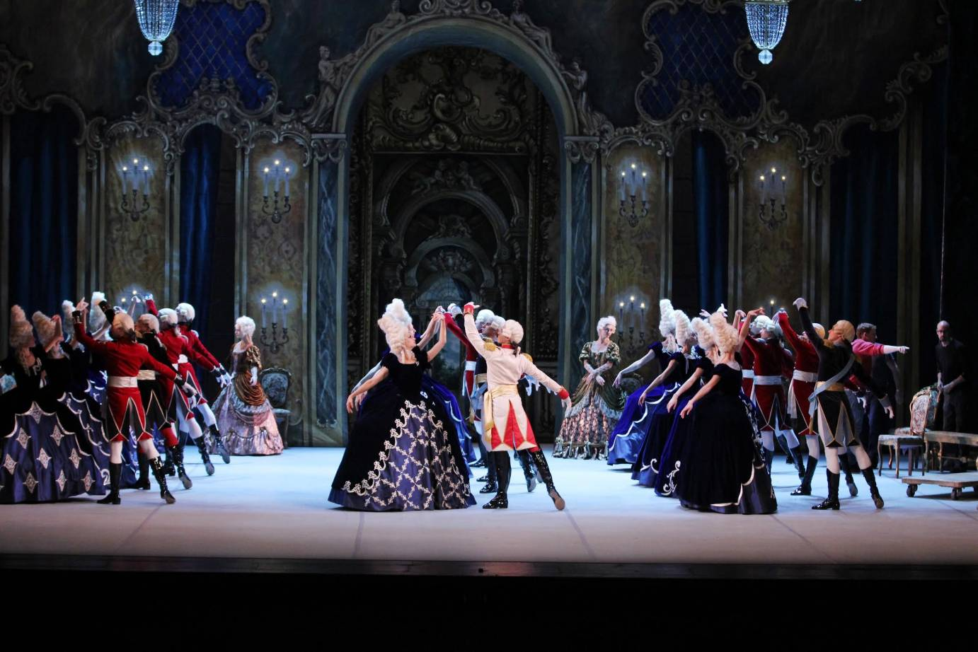 Mikhailovsky Ballet in Flames of Paris. Photo: Costas Cacaroukas.