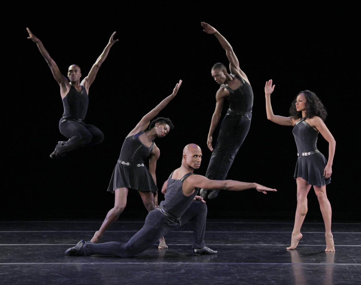 Alvin Ailey American Dance Theater in Ulysses Dove's Episodes. Photo by Paul Kolnik